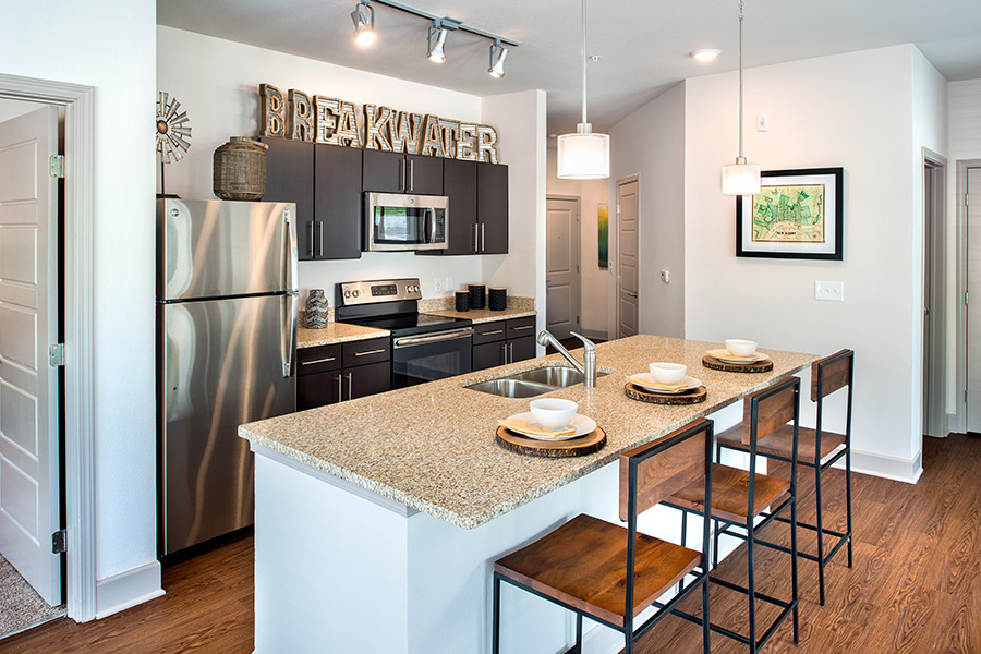 The Breakwater Luxury Apartment Living In New Albany Indiana